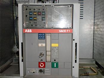 某石油化工公司 • 低压断路器维修