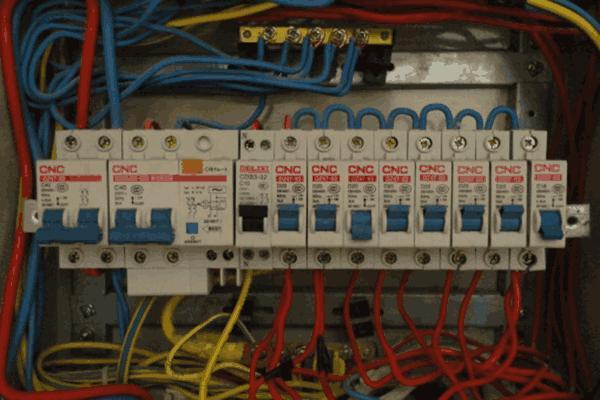 配电房接线也有规范,注意这些使用事项